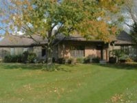 51192 Huntington Ln, Granger, IN 46530