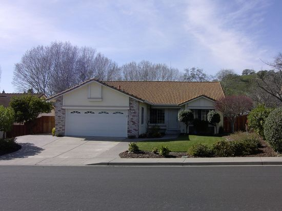 2443 Sawgrass Ct, Fairfield, CA 94534