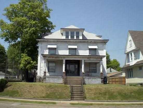 1212 7th St, Moundsville, WV 26041