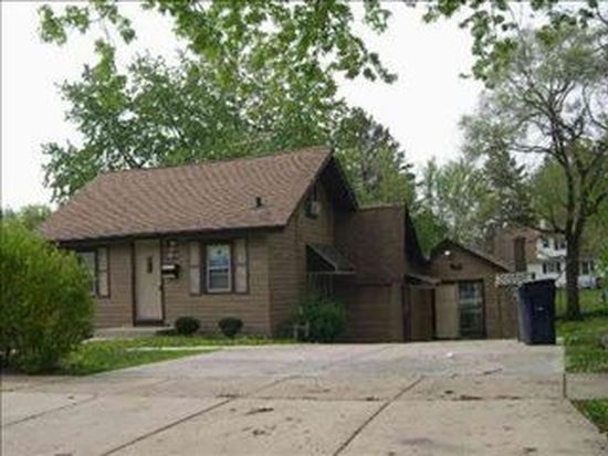 687 Chester Ave, Elgin, IL 60120