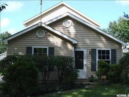 867 Maplewood Ave, Painesville, OH 44077