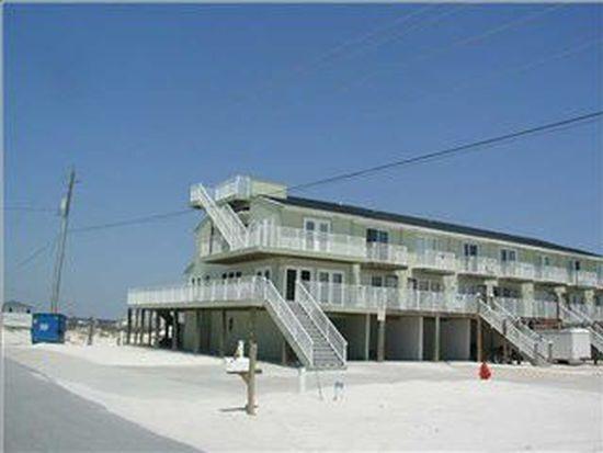 8216 Gulf Blvd APT A, Navarre, FL 32566