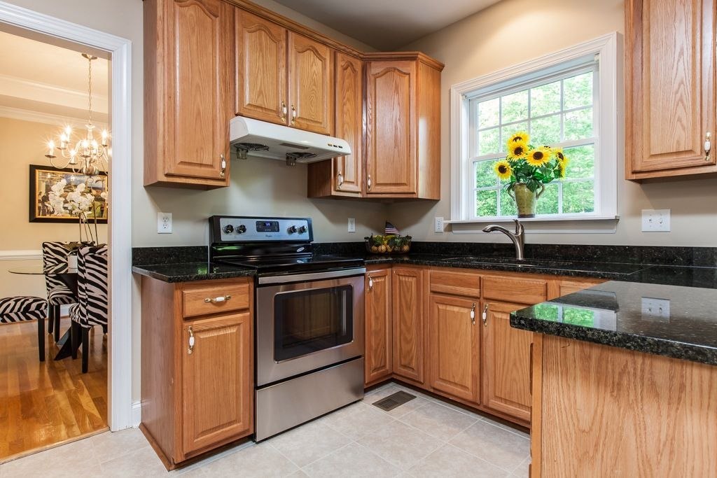 Essential kitchen updates to make before selling your home - How to update a kitchen ...