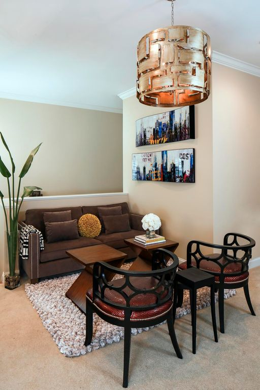 Great Transitional Living Room Zillow Digs
