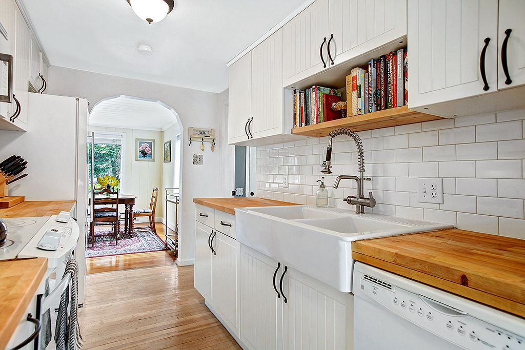 Budget Kitchen Remodel Tips To Reduce Costs Zillow Digs