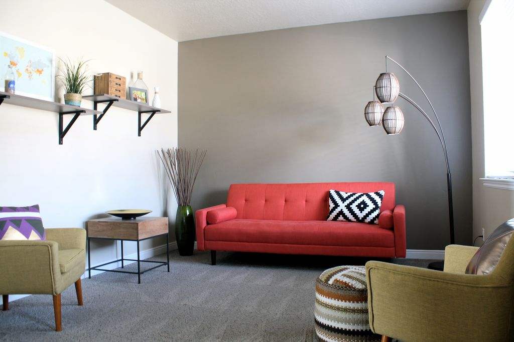 Modern Living Room with Maui Arched Floor Lamp, Carpet