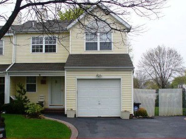 3 bed 2 bath Single Family at 168 McKinney St Central Islip, NY, 11722 is for sale at 230k - 1 of 30