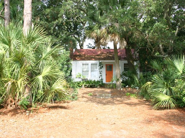 2 bed 2 bath Single Family at 707 2nd Ave Tybee Island, GA, 31328 is for sale at 600k - 1 of 17
