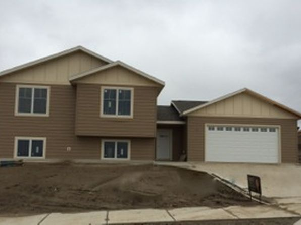 2 bed 2 bath Single Family at 1350 25th St W Dickinson, ND, 58601 is for sale at 275k - google static map