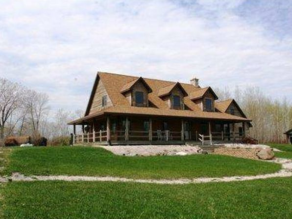 4 bed 3 bath Single Family at N8205 County Road M Algoma, WI, 54201 is for sale at 267k - 1 of 16