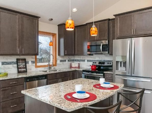 4 bed 2 bath Single Family at 1104 Locust St Farmington, MN, 55024 is for sale at 245k - 1 of 40