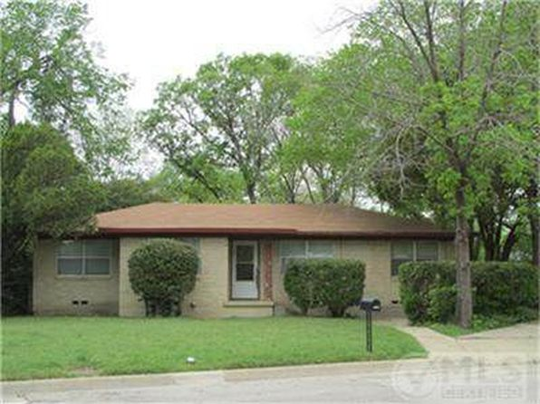 3 bed 1 bath Single Family at 3205 Heather Ln Denton, TX, 76209 is for sale at 145k - 1 of 29