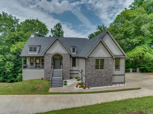 3 bed 2 bath Single Family at 34 W Rambling Crk Tryon, NC, 28782 is for sale at 425k - 1 of 24