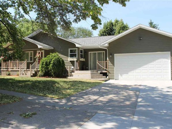 3 bed 2 bath Single Family at 902 W Walnut Ave Norfolk, NE, 68701 is for sale at 179k - 1 of 29