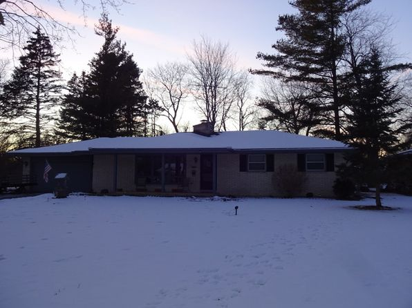 3 bed 2 bath Single Family at 3308 Sharon Pl Zion, IL, 60099 is for sale at 165k - 1 of 23