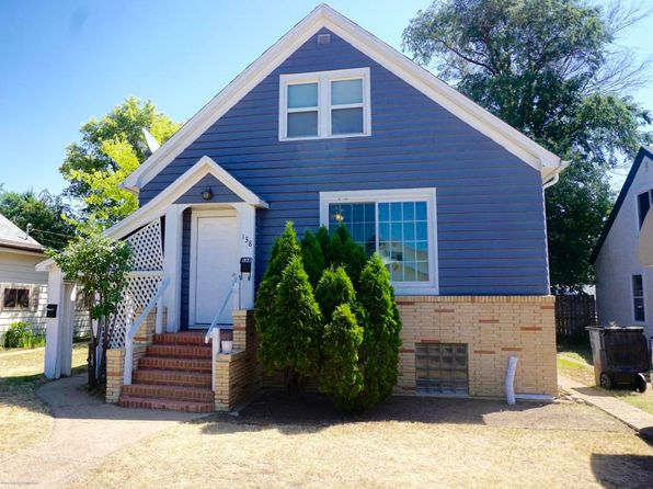 4 bed 2 bath Single Family at 138 9th Ave W Dickinson, ND, 58601 is for sale at 150k - 1 of 33