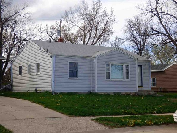 2 bed 1 bath Single Family at 1616 13th Ave Belle Fourche, SD, 57717 is for sale at 98k - 1 of 19