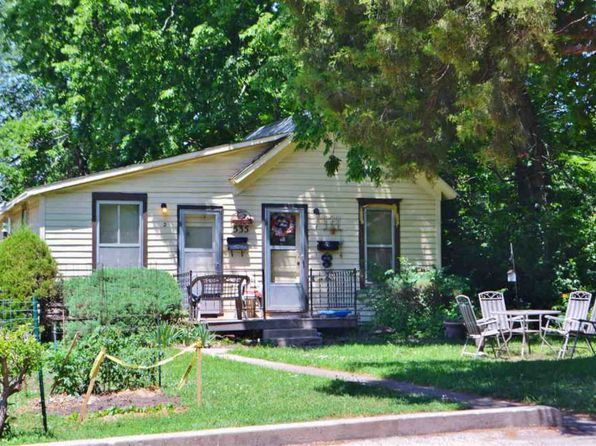 2 bed 2 bath Single Family at 535 SW Watson Ave Topeka, KS, 66606 is for sale at 21k - google static map