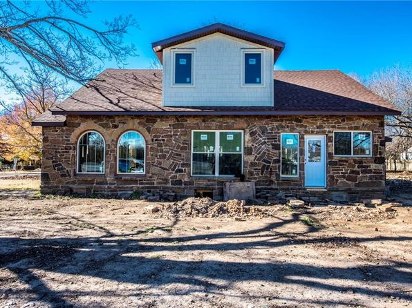 3 bed 3 bath Single Family at 302 E Graham St Prairie Grove, AR, 72753 is for sale at 299k - 1 of 3