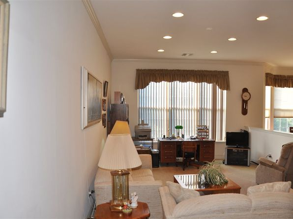 2 bed 2 bath Condo at 1416 Four Seasons Dr Wayne, NJ, 07470 is for sale at 359k - 1 of 6