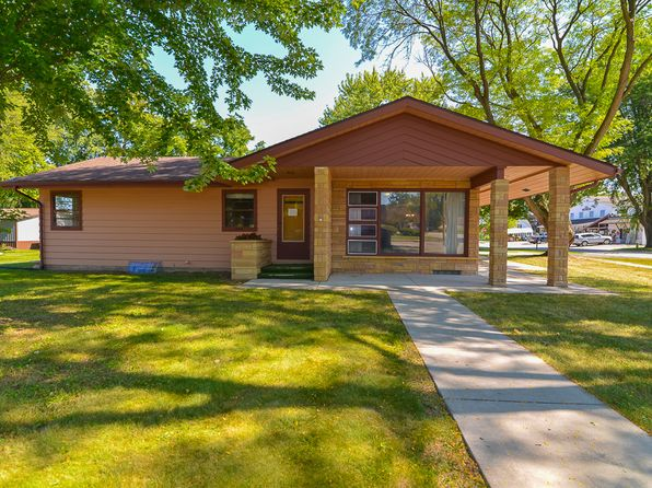 5 bed 2 bath Single Family at 305 N Albany St Spring Green, WI, 53588 is for sale at 189k - 1 of 47