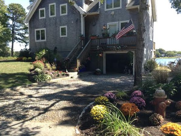 3 bed 2 bath Single Family at 19 Miami Ave Falmouth, MA, 02540 is for sale at 900k - 1 of 60