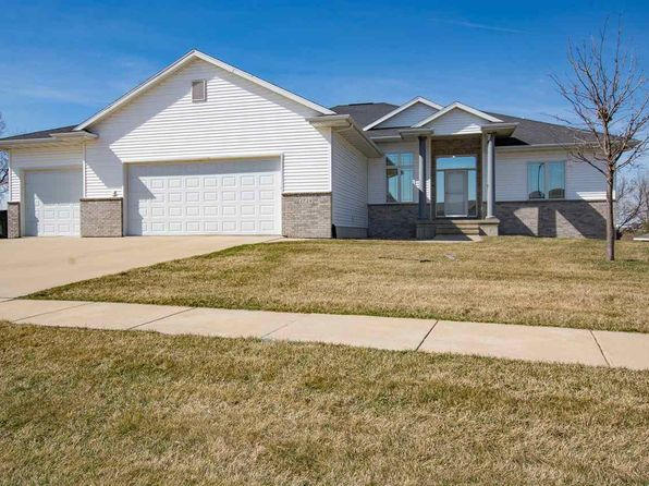 5 bed 3.5 bath Single Family at 1718 Taft Dr SW Cedar Rapids, IA, 52404 is for sale at 374k - 1 of 24