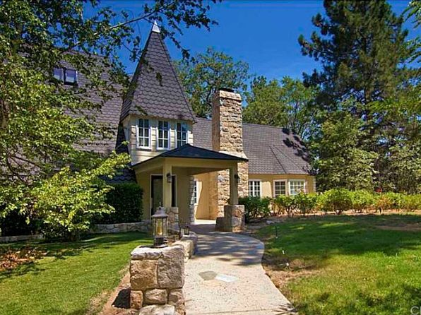6 bed 6 bath Single Family at 1079 SHERWOOD RD LAKE ARROWHEAD, CA, 92352 is for sale at 2.99m - 1 of 19