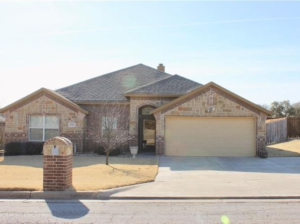 4 bed 2 bath Single Family at 1713 Dakota Dr Graham, TX, 76450 is for sale at 215k - 1 of 27