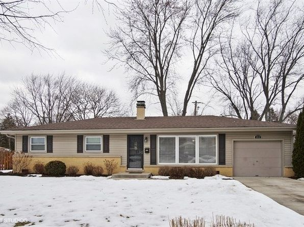 3 bed 2 bath Single Family at 1932 E Elmwood Cir Arlington Heights, IL, 60004 is for sale at 318k - 1 of 15