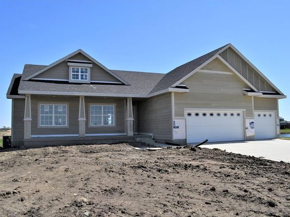 3 bed 2 bath Single Family at 3137 Fieldstone Ct SE Altoona, IA, 50009 is for sale at 345k - 1 of 14