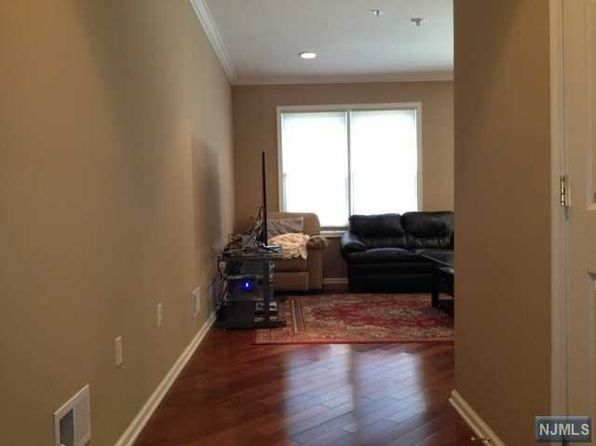 2 bed 3 bath Townhouse at 13 Birch St Ridgefield Park, NJ, 07660 is for sale at 319k - 1 of 19