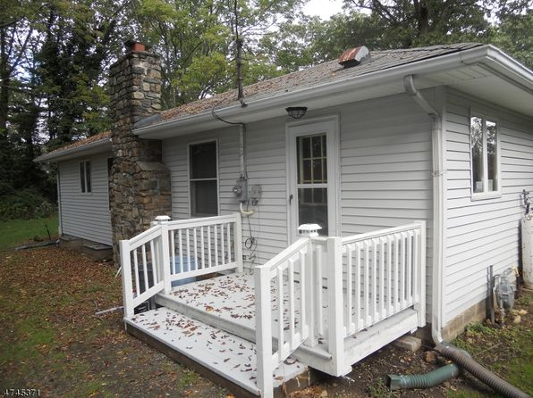 2 bed 1 bath Single Family at 632 Dorothy Ln Landing, NJ, 07850 is for sale at 225k - 1 of 14