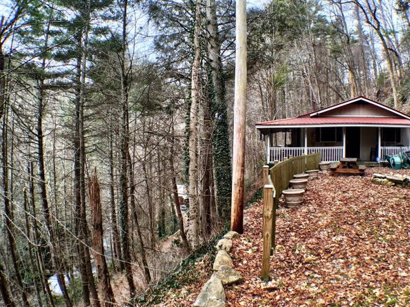 2 bed 2 bath Single Family at 242 BUCK CREEK RD HIGHLANDS, NC, 28741 is for sale at 110k - 1 of 27