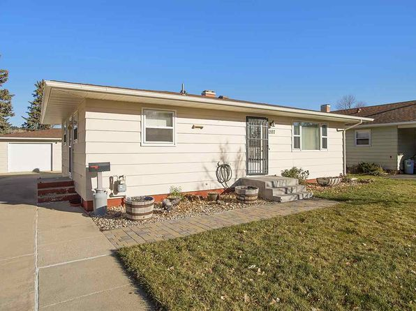 3 bed 2 bath Single Family at 1207 Deadwood St Sturgis, SD, 57785 is for sale at 175k - 1 of 31