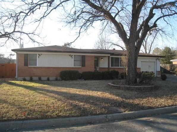 3 bed 2 bath Single Family at 1133 Valentine St Hurst, TX, 76053 is for sale at 169k - 1 of 14