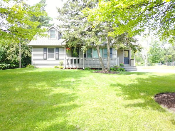 4 bed 2 bath Single Family at 1060 S Fairfield Ave Lombard, IL, 60148 is for sale at 369k - 1 of 24