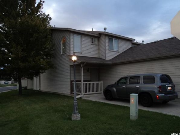2 bed 2 bath Townhouse at 652 W 800 N Clinton, UT, 84015 is for sale at 150k - 1 of 14