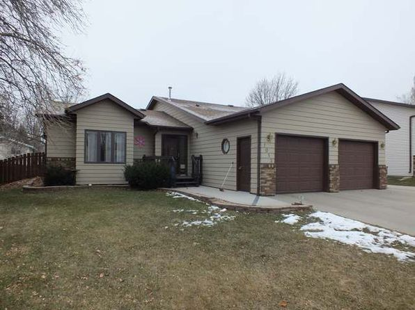 5 bed 2 bath Single Family at 1013 16th St SE Mandan, ND, 58554 is for sale at 280k - 1 of 21