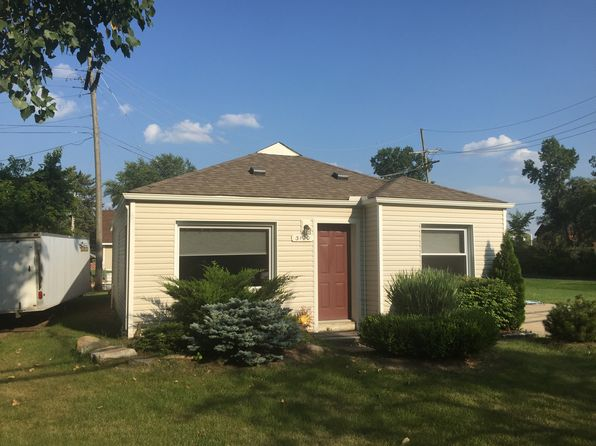 3 bed 1 bath Single Family at 3120 N Duck Lake Rd Highland, MI, 48356 is for sale at 250k - 1 of 4