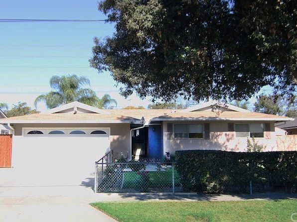 4 bed 2 bath Single Family at 2105 W FLORA ST SANTA ANA, CA, 92704 is for sale at 675k - 1 of 22