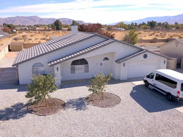 3 bed 2 bath Single Family at 13991 Falling Leaf Rd Apple Valley, CA, 92307 is for sale at 285k - 1 of 20