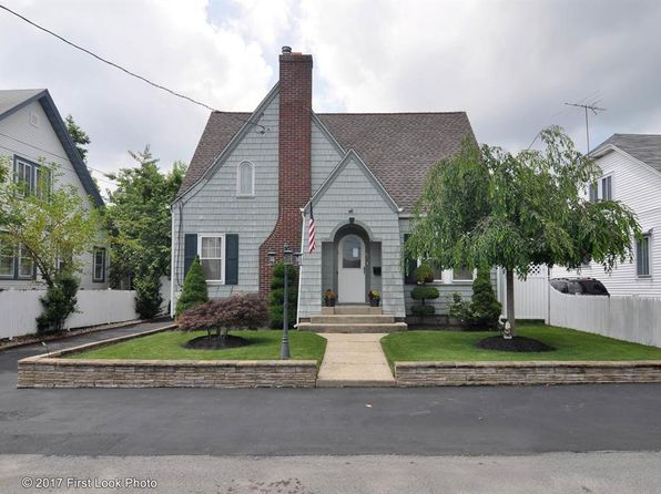 4 bed 2 bath Single Family at 17 Hade Ct Warwick, RI, 02889 is for sale at 270k - 1 of 32