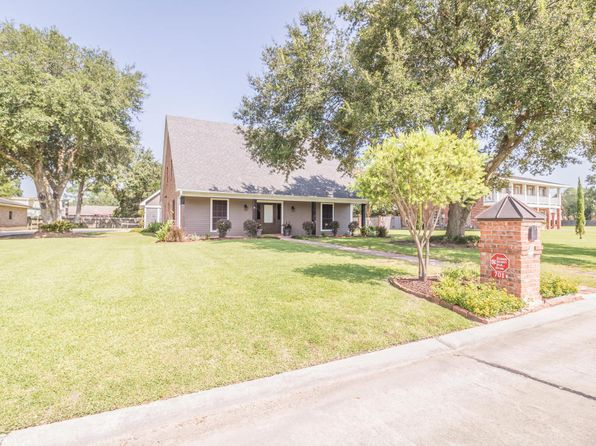 3 bed 3 bath Single Family at 701 Astor Place Dr New Iberia, LA, 70563 is for sale at 245k - 1 of 48