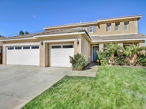 4 bed 3 bath Single Family at 1723 ROANOKE ST SAN JACINTO, CA, 92582 is for sale at 320k - 1 of 22