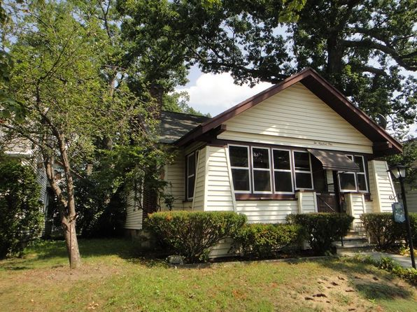 3 bed 1 bath Single Family at 201 Marsden St Springfield, MA, 01109 is for sale at 125k - 1 of 24