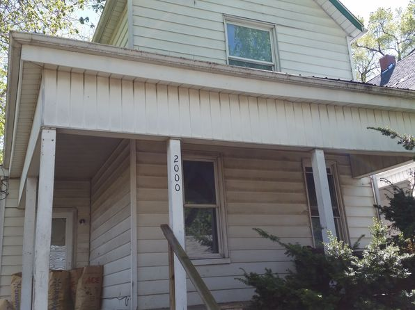3 bed 2 bath Single Family at 2000 W Malone St Peoria, IL, 61605 is for sale at 13k - google static map