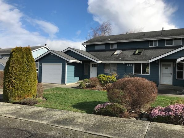 3 bed 2 bath Condo at 120 NE Nunan Loop Oak Harbor, WA, 98277 is for sale at 250k - 1 of 4
