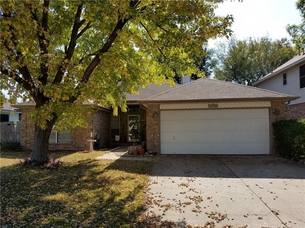 3 bed 2 bath Single Family at 4412 Thrasher Ct Fort Worth, TX, 76137 is for sale at 193k - 1 of 11