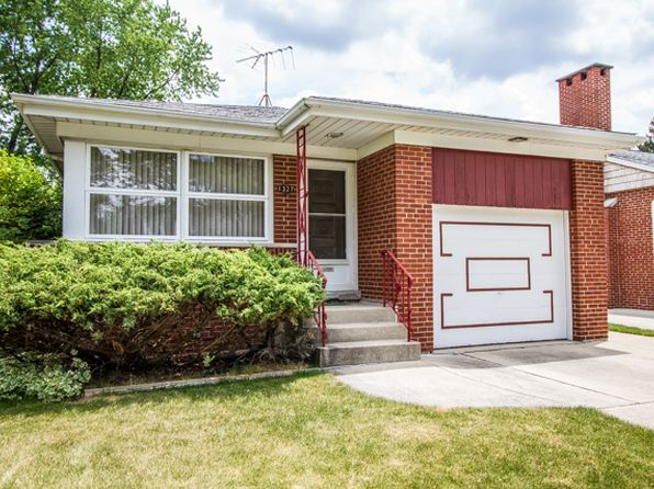 3 bed 2 bath Single Family at 1327 Hull Ave Westchester, IL, 60154 is for sale at 220k - 1 of 48